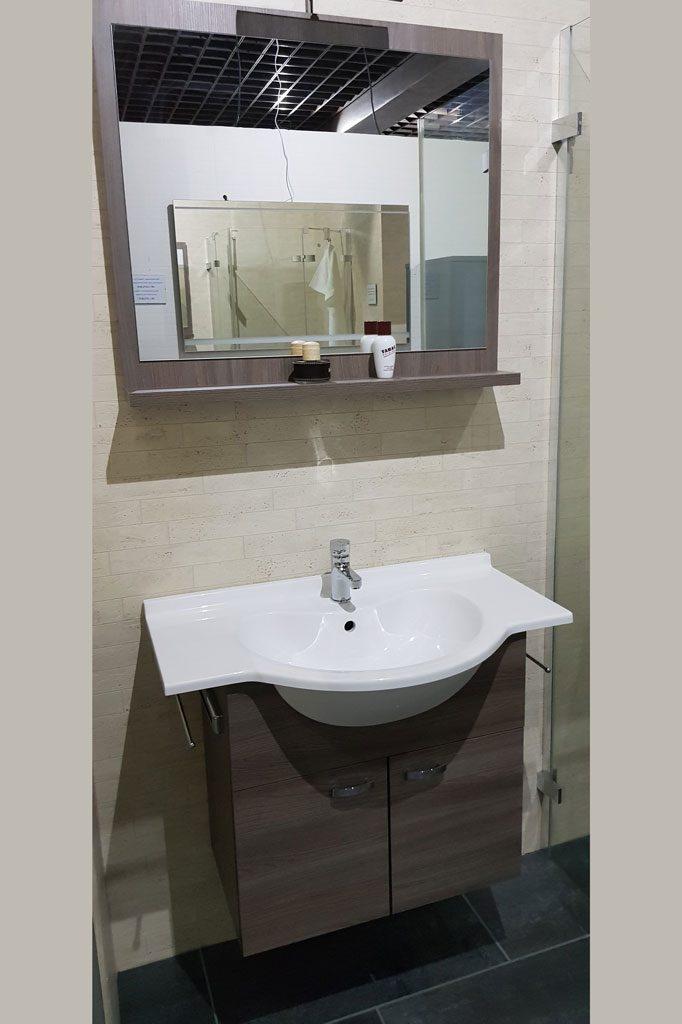 badmoebel-waschtisch-haengeschrank-spiegel-kuechen-und-baeder
